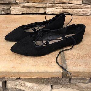Shoes - Black tie-up Flats